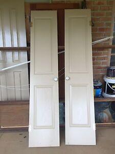 2 linen cupboard Corinthian doors 420 mm wide free Arcadia Hornsby Area Preview