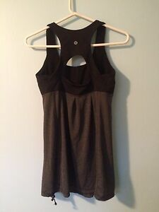Lululemon Athletic top size S/M