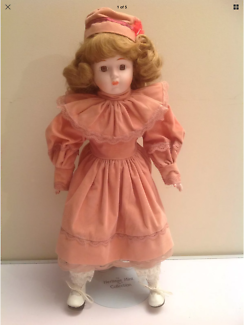 The Heritage Mint Ltd Collection Porcelain Doll 43cm Tall Ex Cond