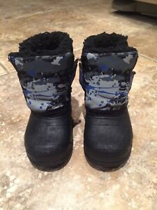 Winter boots - infant size 3