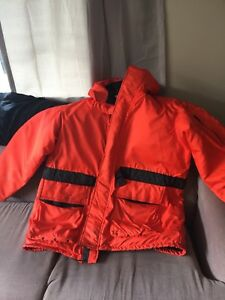 Mustang Floater Coat ( XL)