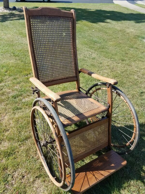 ANTIQUE GENDRON WHEEL CO. WOOD WHEELCHAIR COLLECTIBLE - NICE!!!