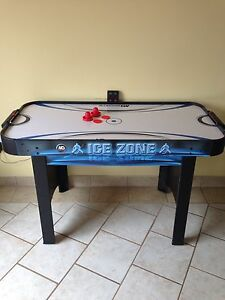 Air hockey table Cambridge Kitchener Area image 1