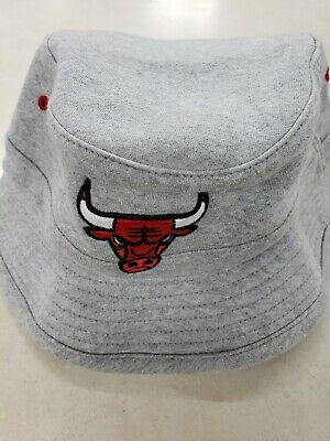 CHICAGO BULLS NBA MITCHEL & NESS OFFICIALLY LICENSED FLEECE LOGO BUCKET HAT