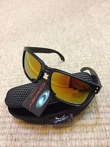Oakley look sunglasses- mirror lenses and matte frame Wynn Vale Tea Tree Gully Area Preview