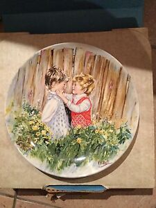 """Wedgwood collectors plate 8"""" 1981 """"be my friend"""" Mary vickers"""