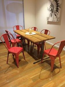 Red metal chairs Killarney Vale Wyong Area Preview