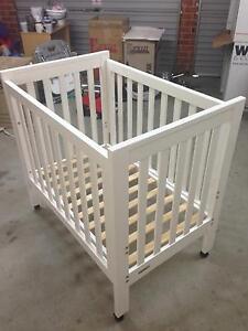 White cot & mattress Jerrabomberra Queanbeyan Area Preview