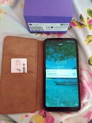 Motorola One Macro - 64GB -  (Unlocked) (Dual SIM) ultra violet, 1 month old