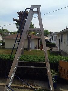 10 foot ladder with safety wheels