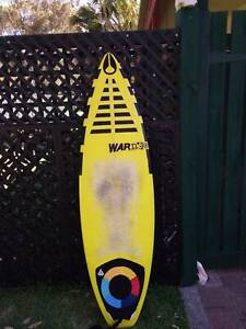 Surfboard 5'6 warner with fins and leggy. Never dinged