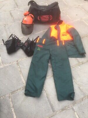 Oregon chainsaw full protection suit, Helmet, Ear Defenders, Boot Guards And Bag
