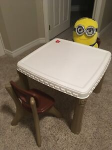 Kids Craft Table & Chairs set