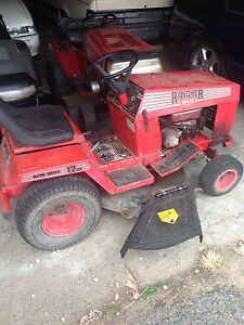 2 ride on mowers Stafford Brisbane North West Preview