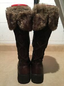Women's Tall Brown Insulated Boots Size 8.5 London Ontario image 4