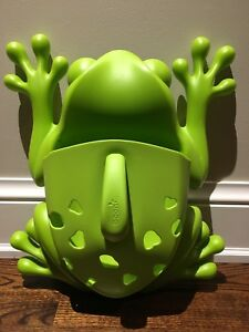 Boon Frog Bath Toy Scoop