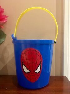 Large Easter basket with sand scoop, brand new, smoke Free home