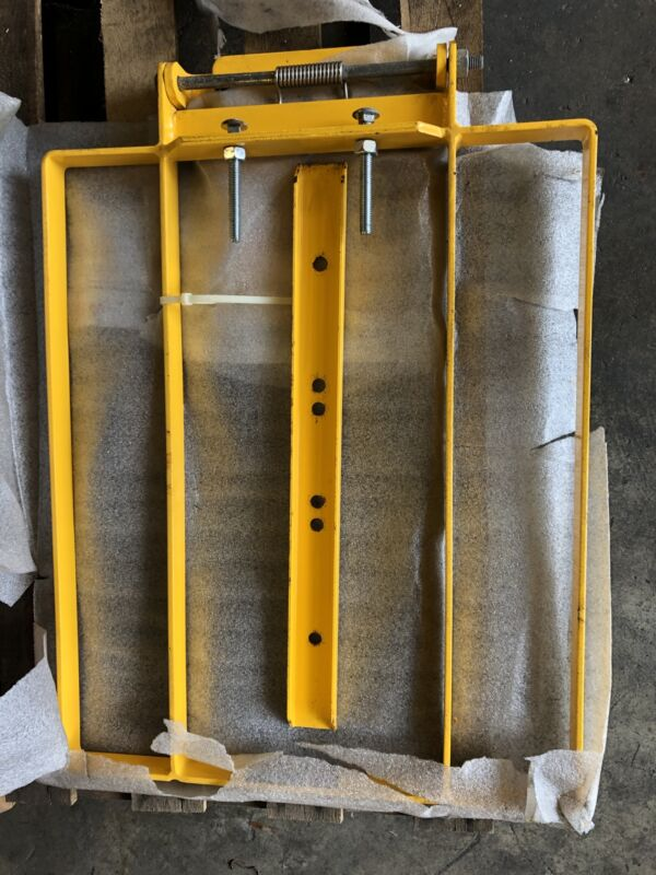 "FabEnCo Self-Closing Safety Gate XL Series 30"" Industrial Zinc Primer/Yellow"