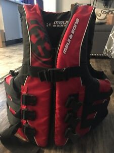 Maui & sons red life jacket SIZE L/XL