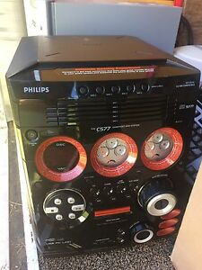 Phillips 6 disc stereo w/remote