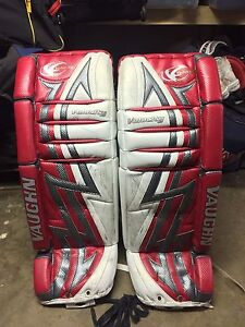 "Vaughn V3 7500 Goalie Pads 33+1"" Senior"