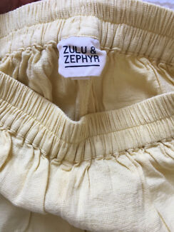 Zulu and zephyr yellow shorts size 8