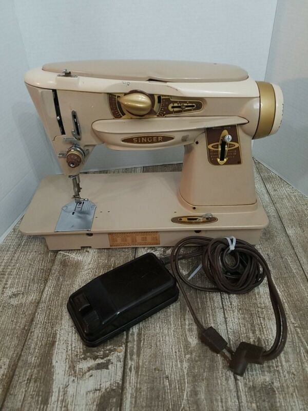 Singer Slant-O-Matic Rocketeer 500A Sewing Machine Vintage With Pedal