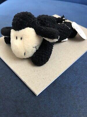 Nici Schaf schwarz mit Saugnapf Stofftier Plüschtier ()