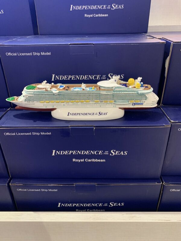 ROYAL CARIBBEAN INDEPENDENCE OF THE SEAS MODEL CRUISE SHIP