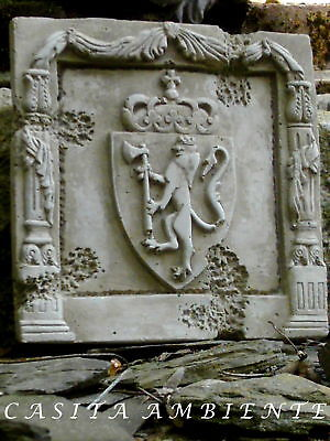 Mittelalter Relief Kachel Wappen Löwe frostfest Steinkachel 20,50x20cm Bordüre
