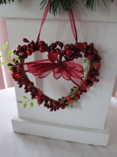 "6"" Valentines Day Heart Shaped Wreath with Red Hearts & Berries-Wall Decor, New"