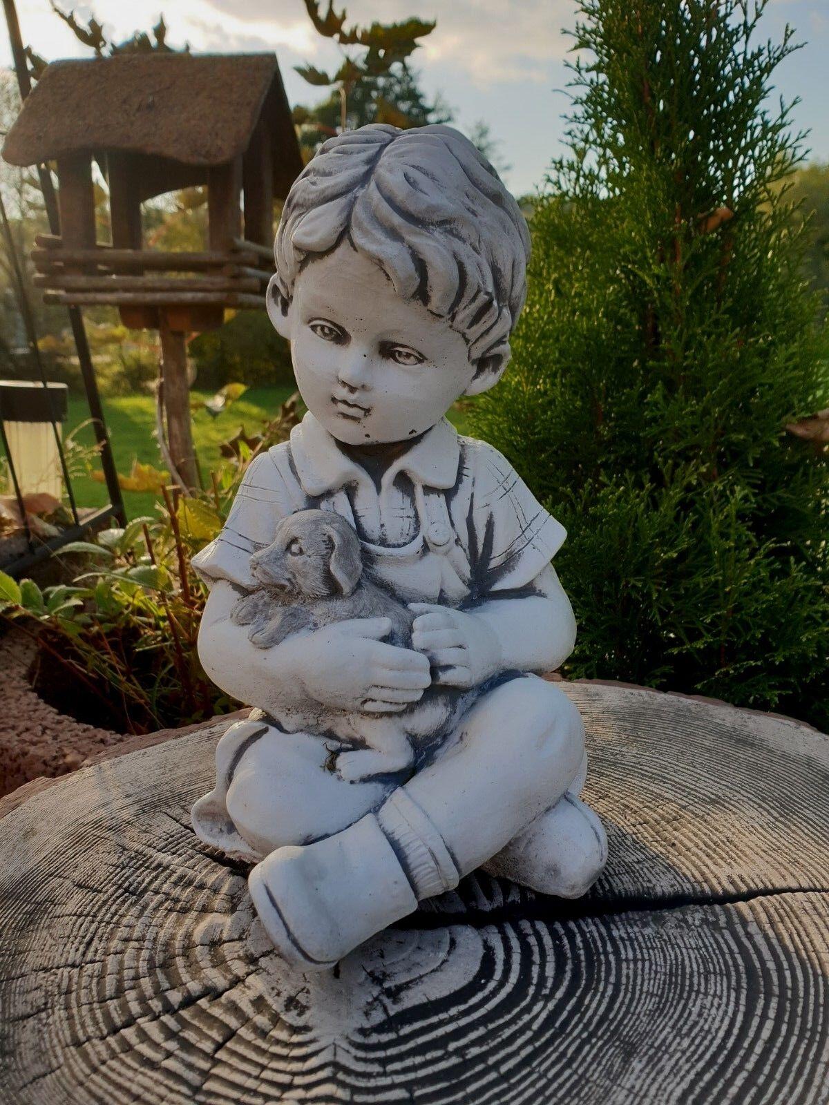 Junge mit kleine hund, Gartenfigur, Steinfigur, F0021