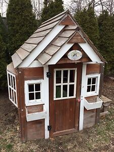Outdoor Discovery Playhouse