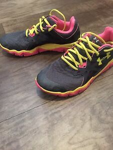 Under armour runners size 9