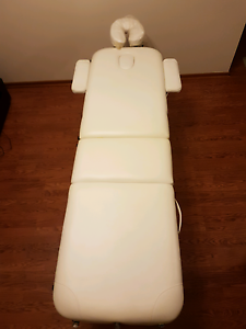 Massage table Kings Park Brimbank Area Preview