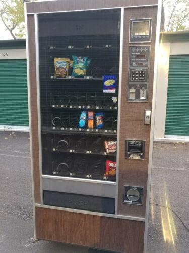 Rowe 4900 Jr. Snack Vending Machine