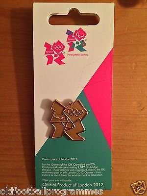 LONDON 2012 OLYMPICS GAMES GOLD PIN BADGE  SHOW YOUR PRIDE AND THANKS TO TEAM GB