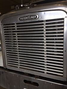 Freightliner FLD120 or Classic grille