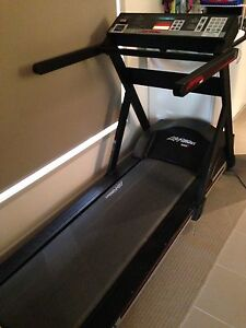 Treadmill life fitness 9000 Mudgeeraba Gold Coast South Preview