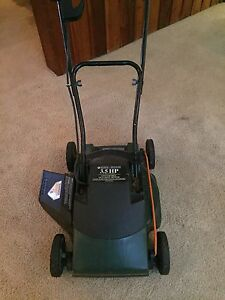 Black & Decker lawnmower/mulcher