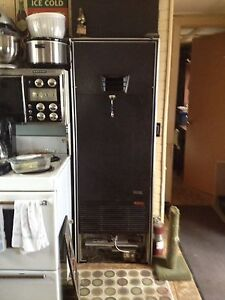 Hunter Wall Furnace , works excellent !Reduced