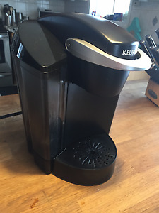 Keurig K40 Coffee Maker and Coffee Carousel