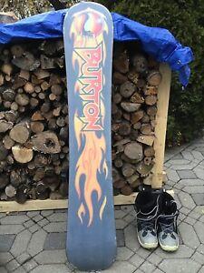 Planche à neige avec fixations et bottes 50$
