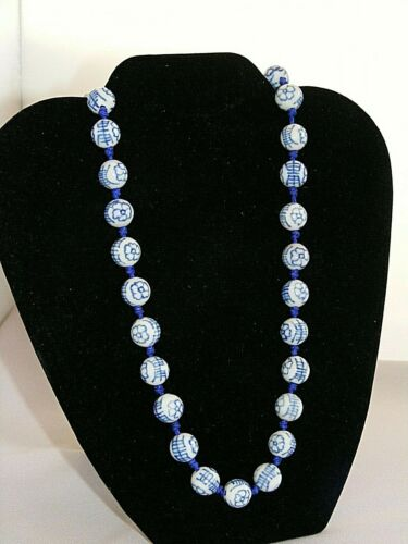 """24"""" Chinese Blue & White Porcelain Hand Knotted Bead Necklace 12mm"""
