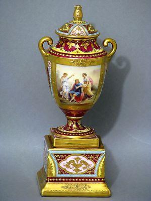 Prunkvolle Deckelamphore Vase im Wiener Stil um 1900