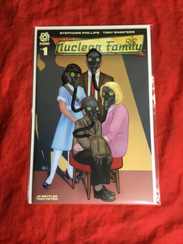 NUCLEAR FAMILY #1~SOLD OUT AFTERSHOCK 1st PRINT COMICS BOOK~TONY SHASTEEN ART~