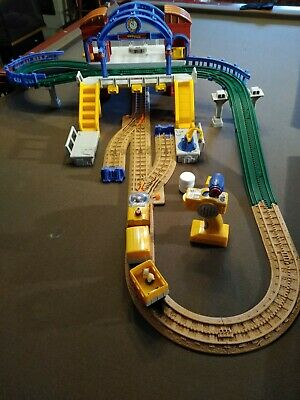 Fisher-Price GeoTrax Grand Central Station Railroad Train Play set