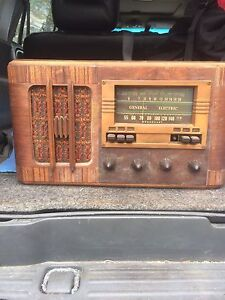"""""""Old"""" General Electric radio!"""