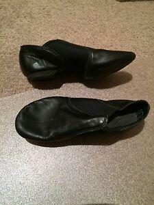 Excellent condition Capezio girls jazz shoes - size 6.5 M North Sydney North Sydney Area Preview