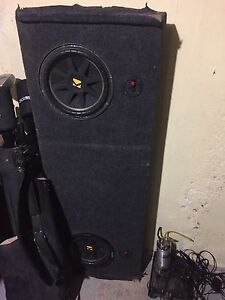 Kicker subs amp and capacitor